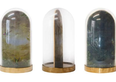 Divine garden, Crypt II • Glasglocke mit Base Chrom. In drei Positionen · Magischer Realismus · Malerei