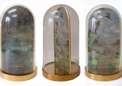 Divine garden, Crypt I • Glasglocke mit Base Chrom. In drei Positionen · Magischer Realismus · Malerei